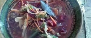 Bunte Gemüsesuppe mit Quinoa für kalte Tage