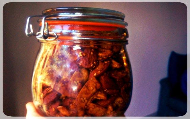 Knabbernüsse im Glas