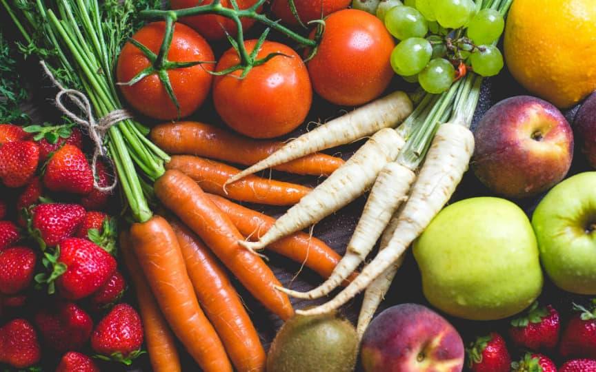 Obst und Gemüse by Viktor Hanacek