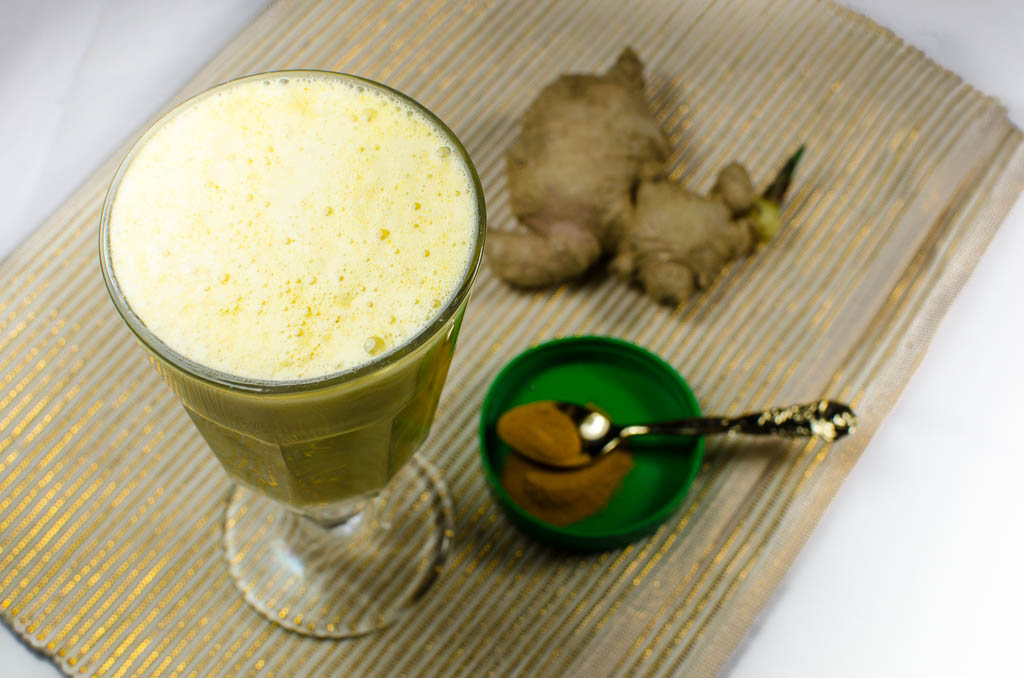 golden milk shake mit kurkuma veganblatt. Black Bedroom Furniture Sets. Home Design Ideas