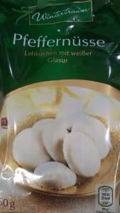 Pfeffernüsse mit weißer Glasur