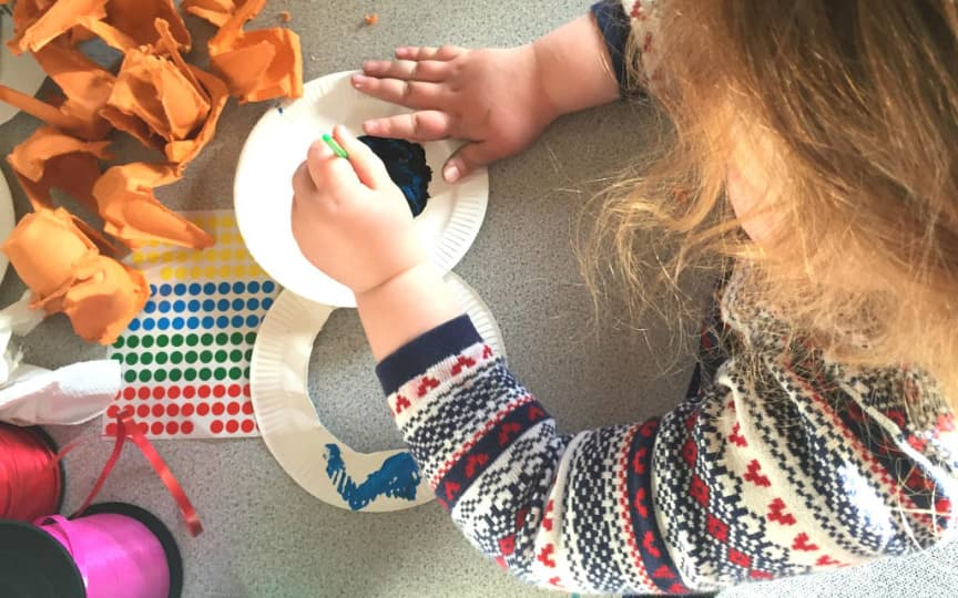 Weihnachtsgeschenke mit Kindern machen