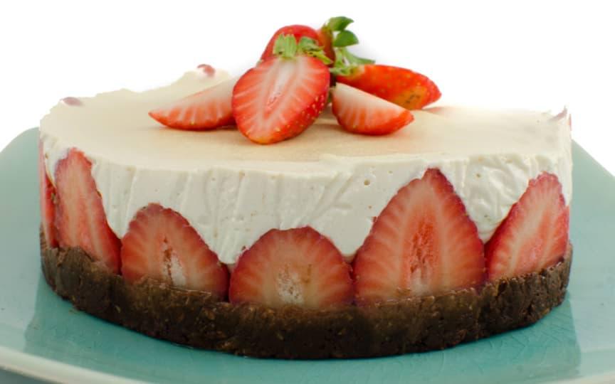 Macadamia Erdbeer Torte