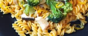 Glutenfreie Mais-Pasta mit Brokkoli und Pilzen