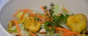 Bunter Salat mit Pfifferlingen & Haselnüssen