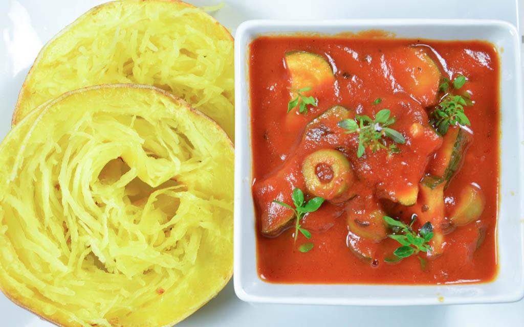 Gegrillter Spaghetti Kurbis Mit Letscho Veganblatt