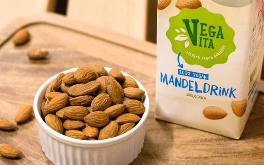 süße Mandelmilch von Vegavita